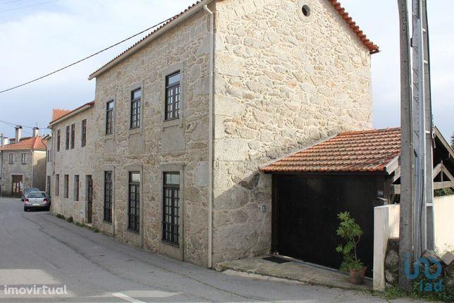 Moradia - 259 m² - T3