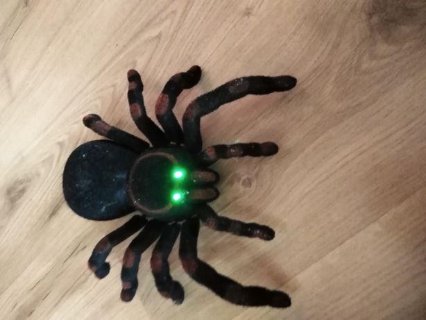 Zdalnie sterowany pająk