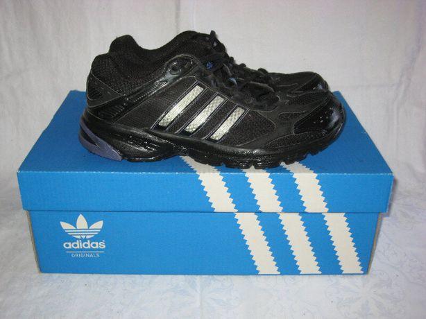 Кроссовки Adidas оригинал 37 размер по стельке 24 см..Кожаные . Легень