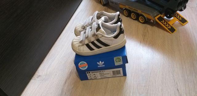 Продам детские кроссовки Adidas superstar, унисекс
