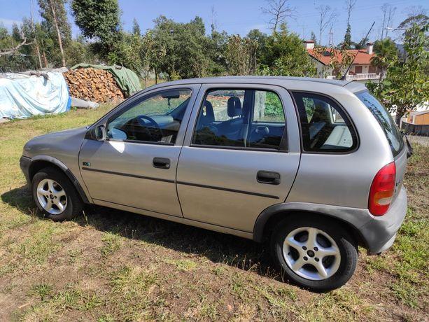 Opel corsa 5 lugares
