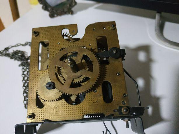 Mechanizm starego zegara Werk