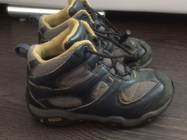 Ecco ботинки демисезонные 25 р