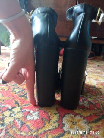 Продам Туфли по 150грн