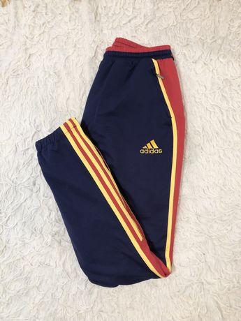 Spodnie dresy Adidas 3 stripes paski kolorowe rozmiar S granatowe