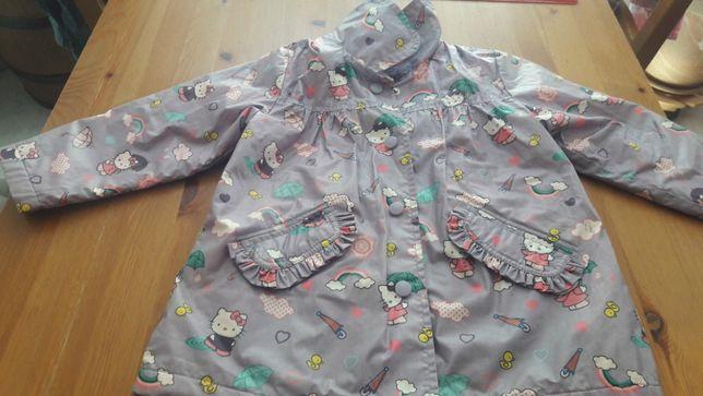 Ubranka dla dziewczynki.
