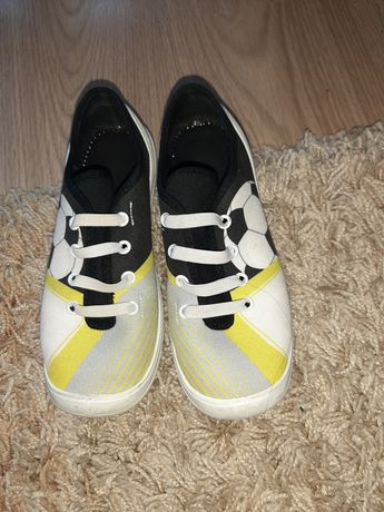 Sprzedam buty chłopięce