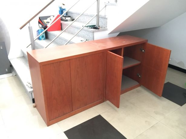 1 Móvel madeira 80x42x78 cm