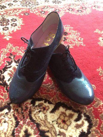 Туфлі жіночі новенькі