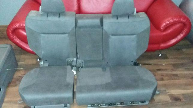 Хонда CR-V Велюровый салон.