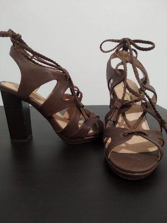 Sandálias Castanhas Blanco