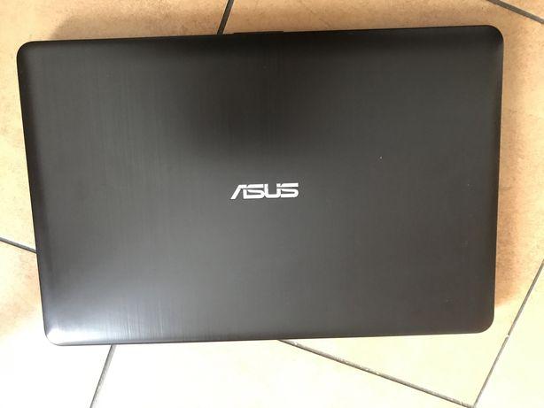 Laptop asus F541U