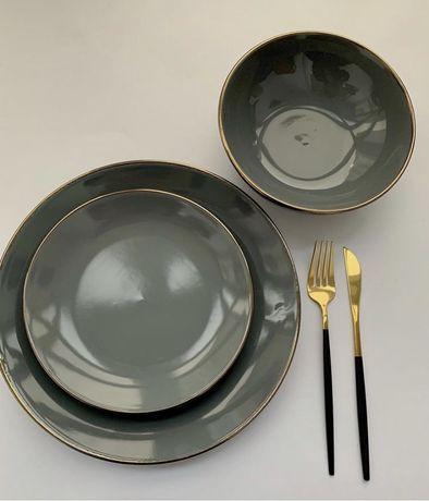 Посуда, тарелки, вилки, ложки