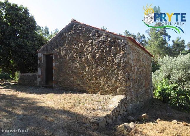 Quintinha com casa em xisto situada em Fontinha - Carvalhal - Sertã