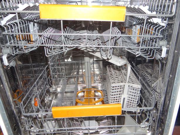 Zmywarka do zabudowy Electrolux ESL 65070
