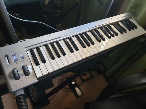 Продам миди клавиатуру M-Audio KS 49