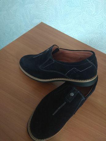 Продам шикарні дитячі туфлі