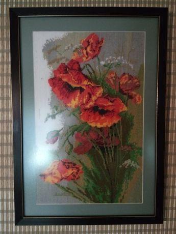 Продам картины вышитые крестиком в капитальных рамках под заказ.
