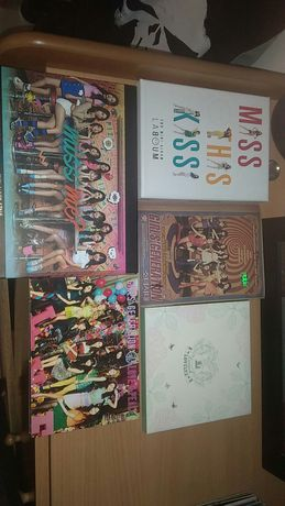 Vendo álbuns de kpop
