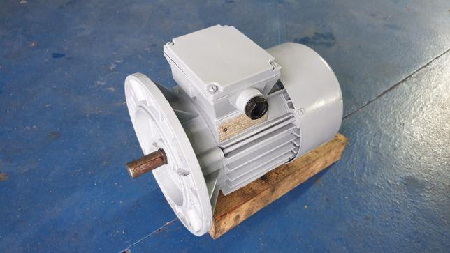 Silnik elektryczny kołnierzowy 0,55kW Besel