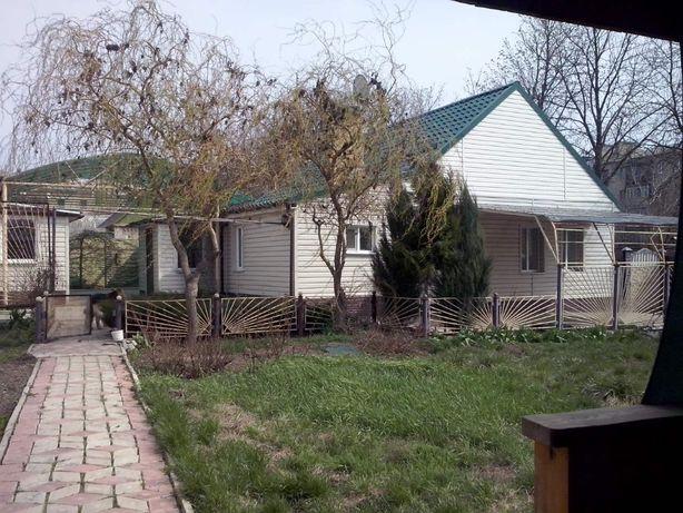 Продажа дома в центре, шикарный двор, г. Амвросиевка, Донецкая область
