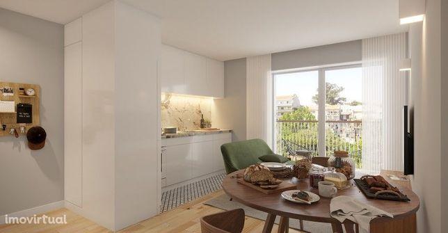 Apartamento T0+1 com arrumos no centro de Espinho
