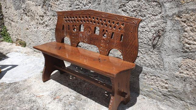 Conjunto de Mesas, Cadeiras e Bancos Rústicos em madeira maciça