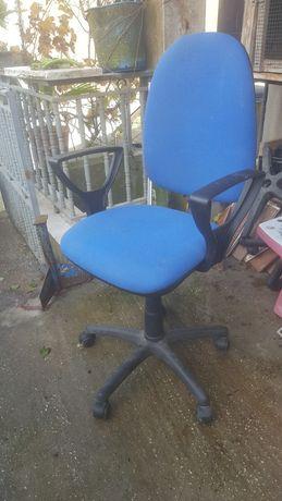 Cadeira  para escritório  ou para estar  ao computador