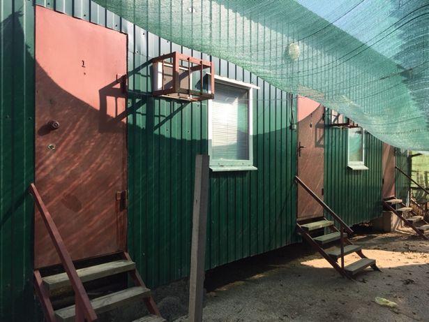 Продам в Кирилловке готовые для работы вагончики.