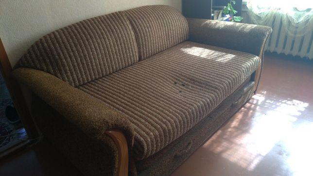 продам диван б.у.
