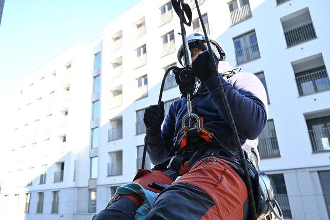 Odśnieżanie dachów- Techniki Alpinistyczne