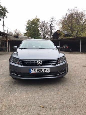 Volkswagen Passat B8 SE 2017г. Бесключевой доступ.