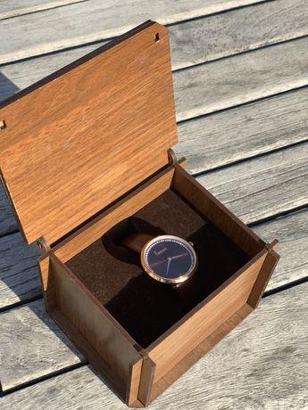 Часы freelock