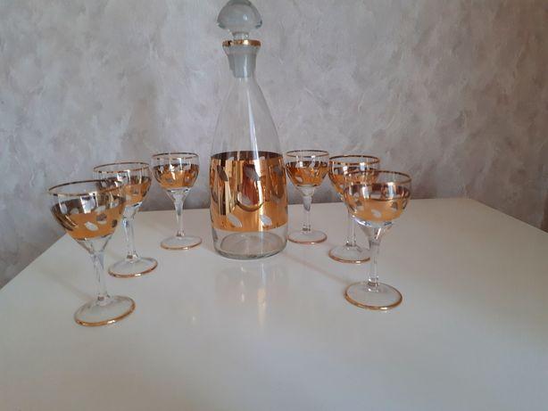 Набор для крепких напитков( штоф и 6 рюмок)