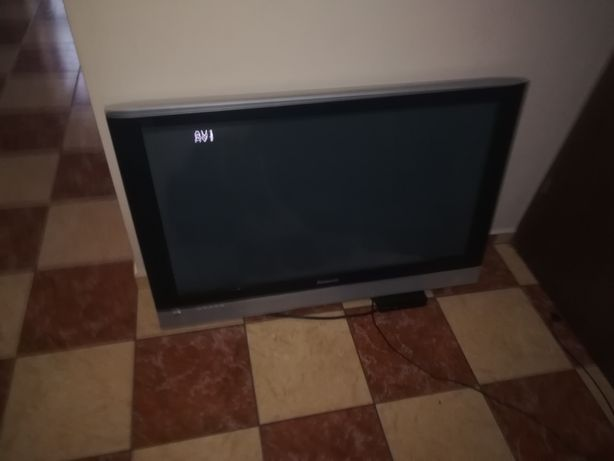 "Telewizor Panasonic 42"" z dekoderem"