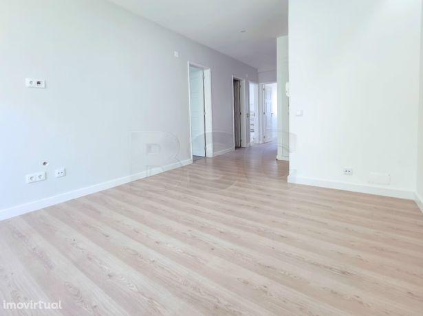 Apartamento T2 à venda em Centro de Queijas