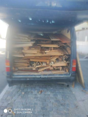 Faco cargas de entulho faco cargas de madeira recolho sucata
