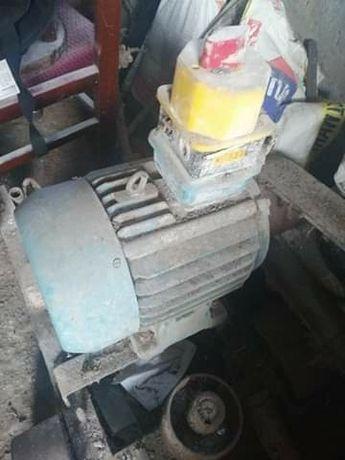Silnik elektryczny 5.5 Kw 1450obr może być z wózkiem