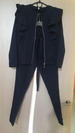 Брючный костюм на рост 152