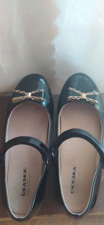 Продам туфли 34 и 35 и 37 размера