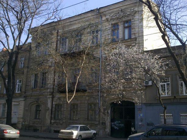 Здание 1009 метров в центре, ул. Нежинская