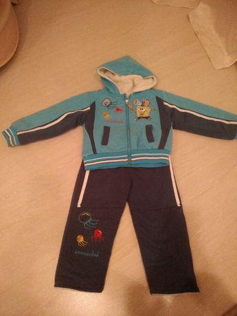 Теплый спортивный костюм 1-2года 500₽