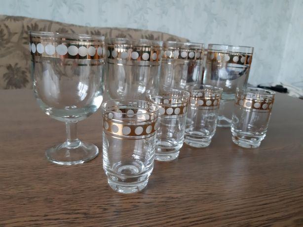Набор бокалов и стопок
