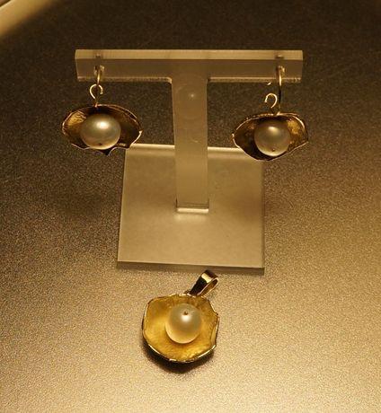 Komplet złotej bużuterii z perełkami/kolczyki+zawieszka 14ct.::DELTA
