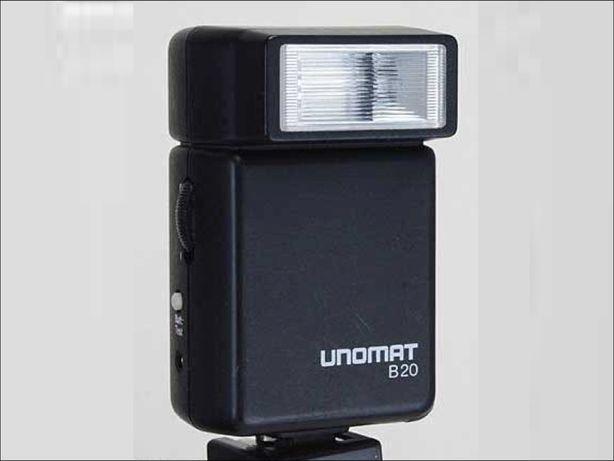 Flash / Iluminador UNOMAT B20 fixação universal p/máquina fotográfica.