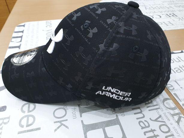 Nowa czapka z daszkiem Under Armour.