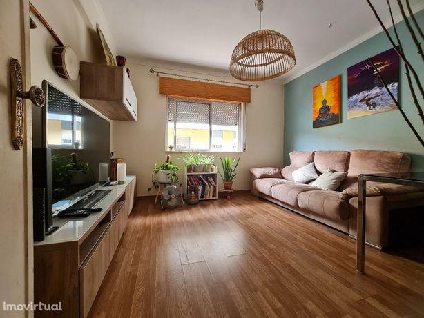 Apartamento T2 em Alverca - Bom Sucesso