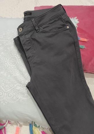 Calça cinza escuro
