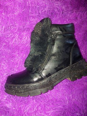 Ботинки зимові. Розмір 34 ( маломірять буде на 33
