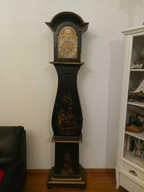 Stary zabytkowy zegar